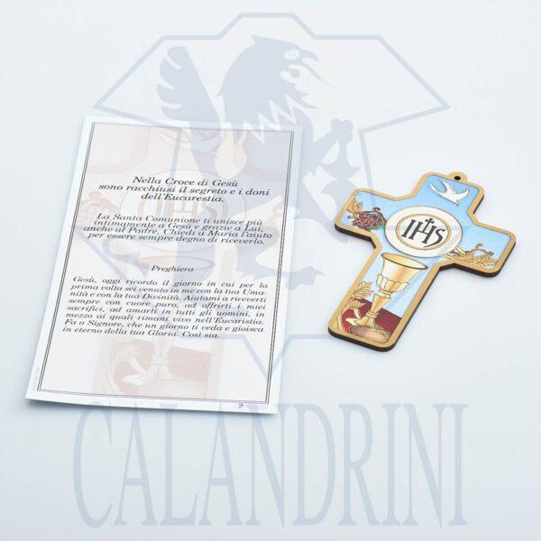 Cruz comunión con borde de oro y pergamino con oración.